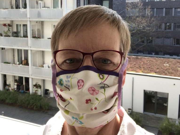 Christine Jung mit Mundschutz